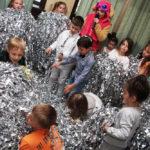 бумажное шоу на детский праздник фото